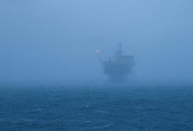 Norwegian oil platforms, image creative commons