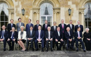 A 'family photo' of the G7 attendees in London, May 2013Source: gov.uk