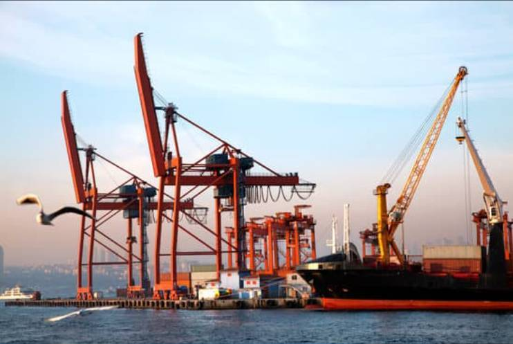 Shipping, Container shipping, ETF Market. ETF Investment, ETF Investment Trend